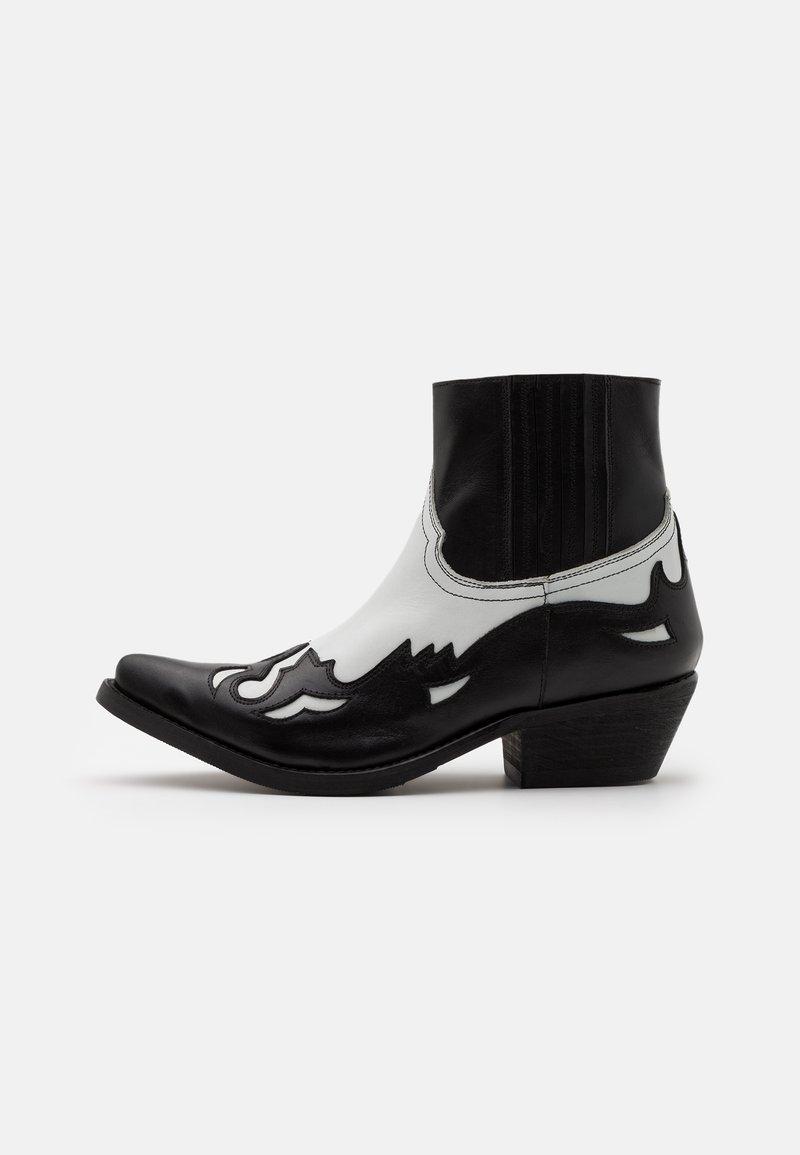 Kentucky's Western - Kovbojské/motorkářské boty - black/white