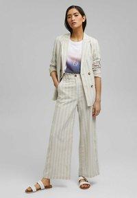 Esprit - Print T-shirt - white - 1