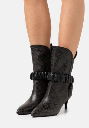 KATIA BOOT  - Vysoká obuv - black