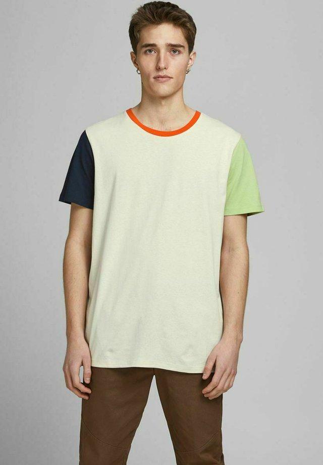 T-Shirt print - silver birch