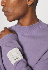 Jaded London - PURPLE OVERSIZED HIGHNECK - Sweatshirt - purple - 5