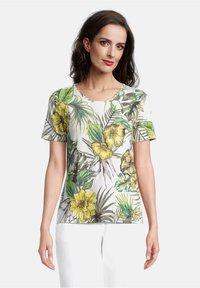 Betty Barclay - Print T-shirt - white/green - 0