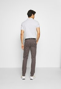 Lindbergh - CLASSIC WITH BELT - Chinos - mid grey - 2