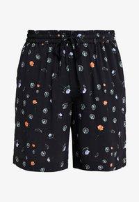 Holzweiler - BOB PRINT SHORTS - Shorts - black - 4