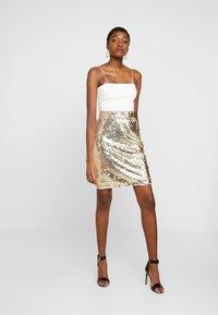 Blendshe - BSCORAS SLIM - Pouzdrová sukně - gold - 1