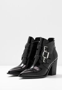 co wren - High heeled ankle boots - black - 4