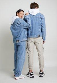 Calvin Klein Jeans - JACKET UNISEX - Spijkerjas - bright blue - 3