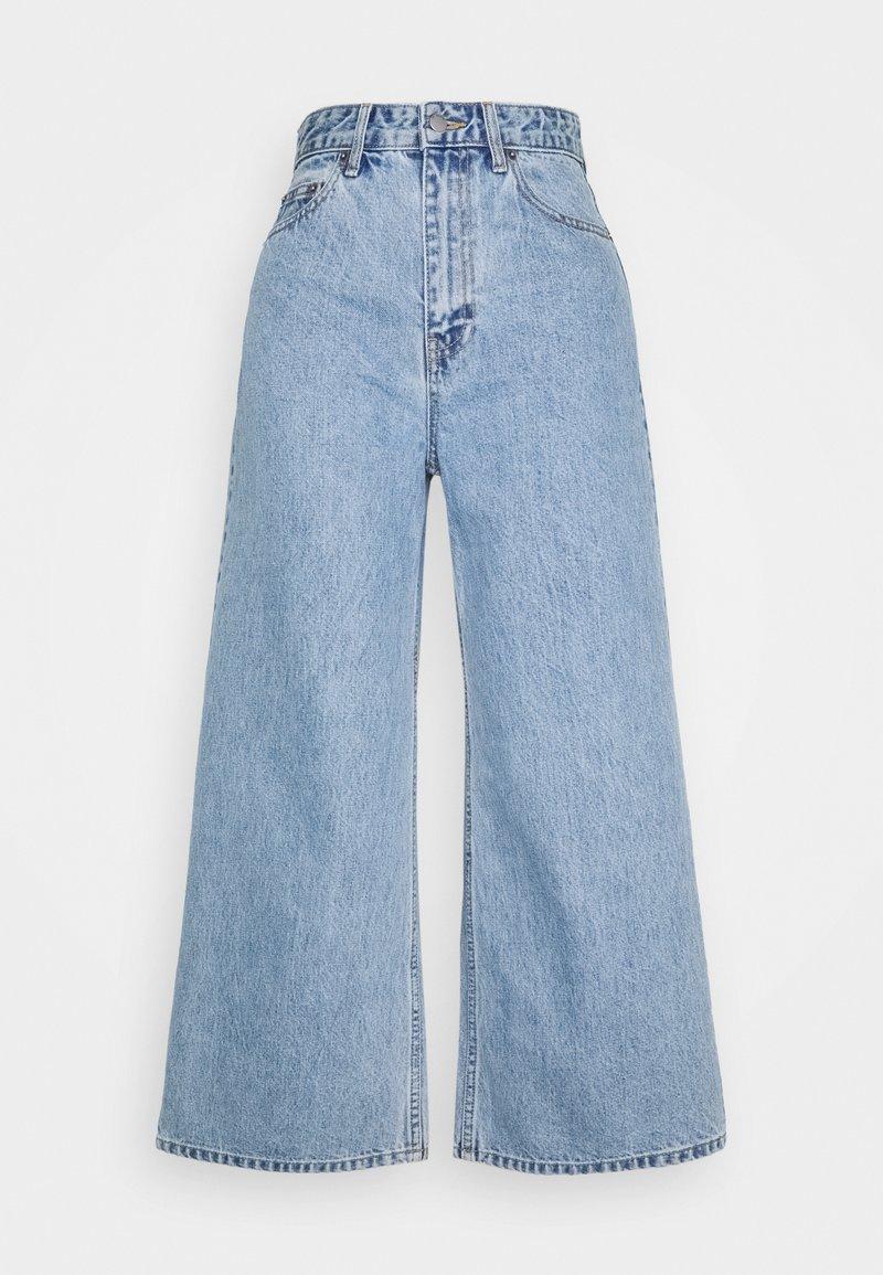 Dr.Denim Petite - AIKO CROPPED - Flared Jeans - light retro