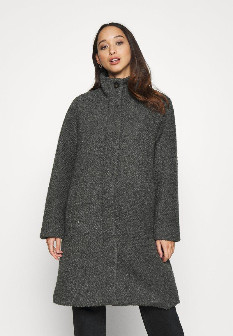 Nümph - NUBRIO JACKET - Zimní kabát - dark shadow