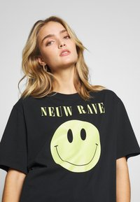 Neuw - NEUW RAVE TEE - Print T-shirt - washed black - 4