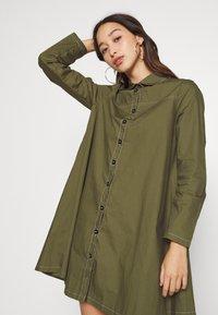 Missguided - CONTRAST STITCH DRESS - Shirt dress - khaki - 5