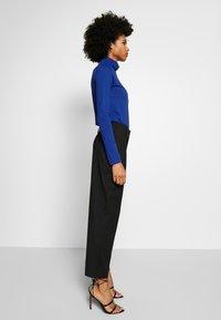 J.CREW - TISSUE TURTLENECK - Bluzka z długim rękawem - oxford royal - 3