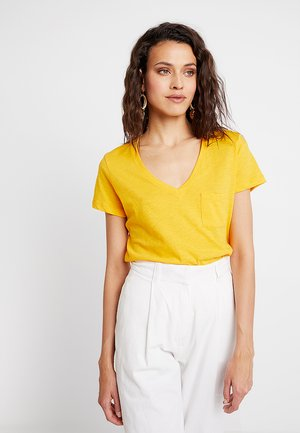 WHISPER V NECK POCKET TEE - Basic T-shirt - yellow