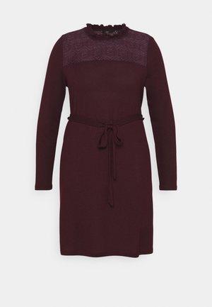 VMMALENA SHORT DRESS - Strikket kjole - winetasting