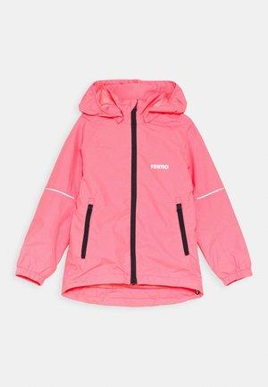 FISKARE JACKET - Regenjacke / wasserabweisende Jacke - neon pink