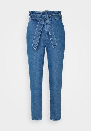 ONLJANPAPERBAG BELT - Slim fit jeans - dark blue denim