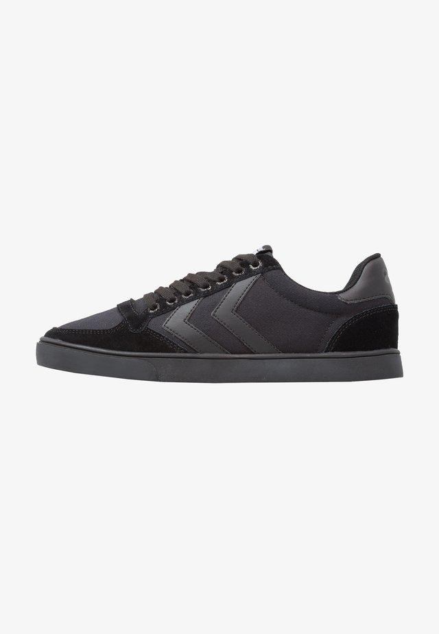 SLIMMER STADIL TONAL LOW - Sneakers laag - black
