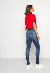 Tommy Jeans - NORA - Jeans Skinny Fit - mid blue - 3