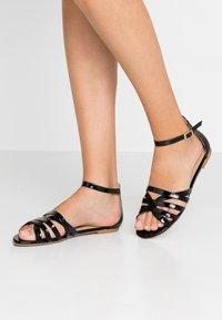 co wren wide fit - WIDE FIT - Sandaler - black - 0