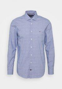 Tommy Hilfiger Tailored - DOBBY GLEN CHECK SLIM FIT - Shirt - navy/white - 0