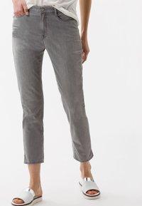 BRAX - STYLE MARY  - Straight leg jeans - light grey - 0