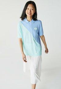 bleu / turquoise