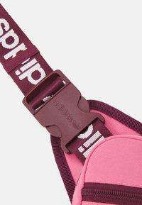 adidas Originals - SLING BAG UNISEX - Bandolera - rose tone/victory crimson/white - 5