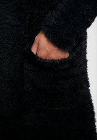 Mavi - FLUFFY  - Cardigan - black - 5
