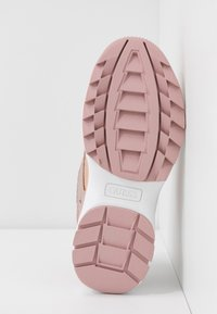 Guess - KAYSIE5 - Zapatillas - blush - 6