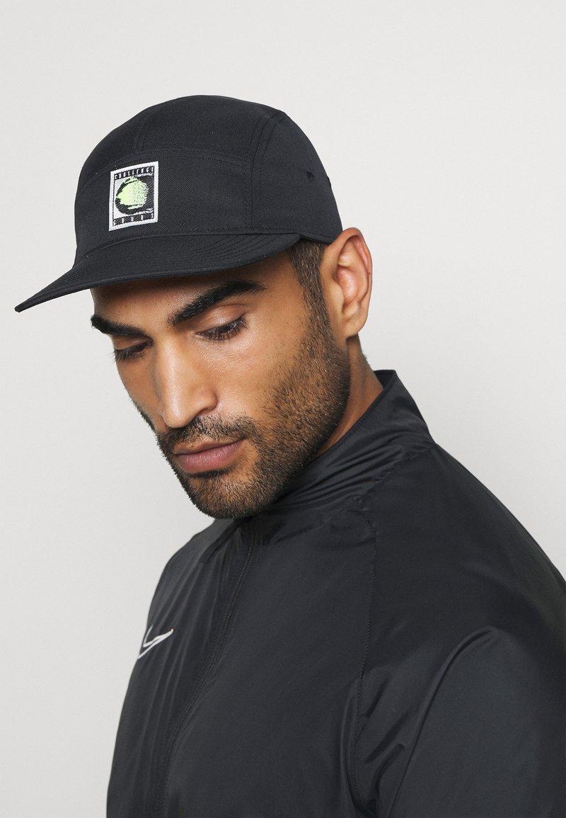 Nike Performance - CHALLENGE UNISEX - Kšiltovka - black