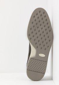 Bullboxer - Zapatos con cordones - grey - 4