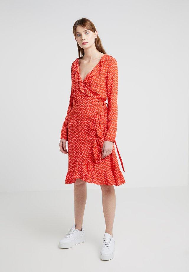 JOLENE DRESS - Vapaa-ajan mekko - red lip