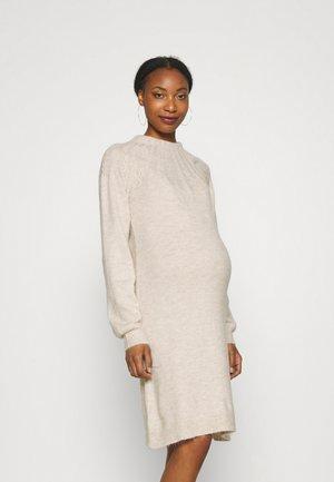 DRESS CABLES - Stickad klänning - whisper white melange