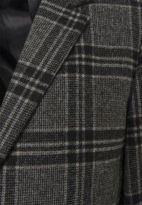 Jack & Jones PREMIUM - JPRBLAMOULDER CHECK - Classic coat - dark grey melange - 6