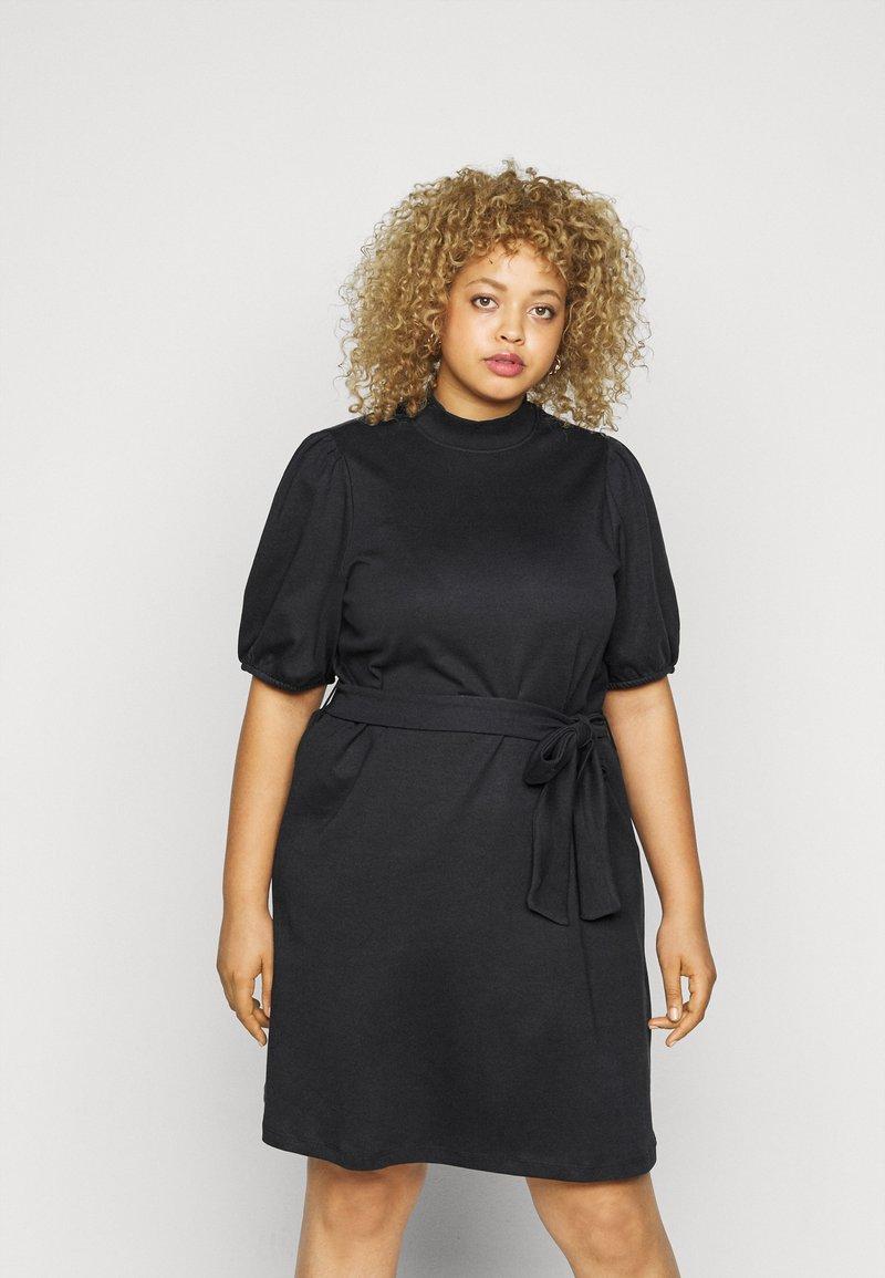 Vero Moda Curve - VMFOREST DRESS - Jersey dress - black