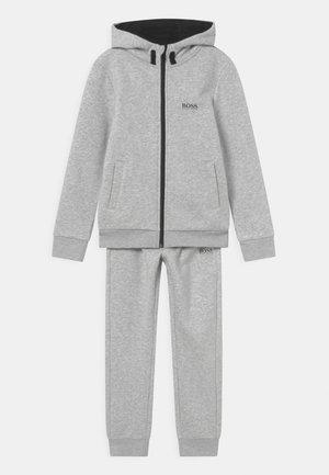 SET - Tracksuit - chine grey