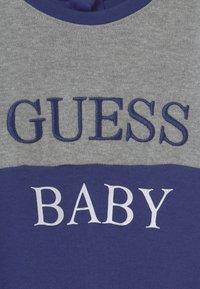 Guess - BABY UNISEX - Geboortegeschenk - bluish - 2