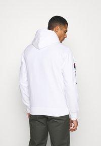 Champion Rochester - HOODED NINTENDO - Sweatshirt - white - 2