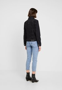 Calvin Klein Jeans - FOUNDATION TRUCKER - Denim jacket - washed black - 3