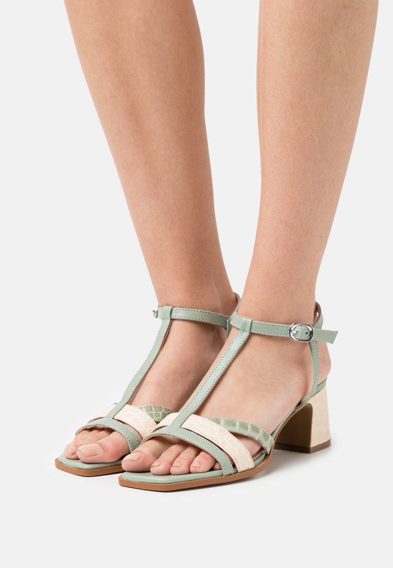 Hash#TAG Sustainable - Sandals - panna