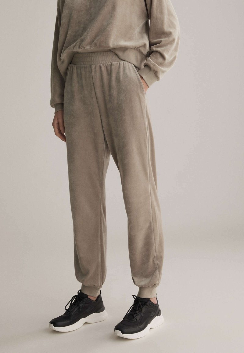OYSHO - Teplákové kalhoty - beige