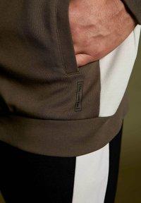 DeFacto Fit - Zip-up sweatshirt - khaki - 5