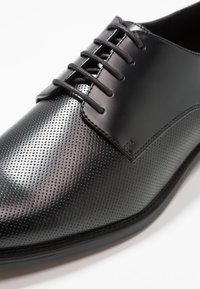 Zalando Essentials - Smart lace-ups - black - 5