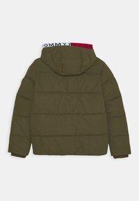 Tommy Hilfiger - ESSENTIAL PADDED JACKET - Zimní bunda - green - 1