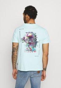 YOURTURN - UNISEX - T-shirt med print - mint - 2