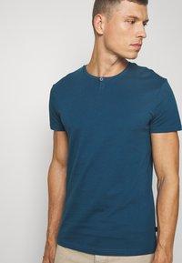 Pier One - T-shirts basic - blue - 3