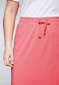 Sheego - Maxi skirt - korallrot - 4