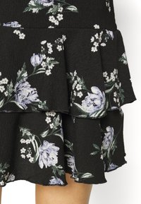 Dorothy Perkins - TIERED SKIRT MINI FLORAL - Jerseykjole - black - 5