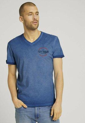 IM USED LOOK  - Print T-shirt - victory blue