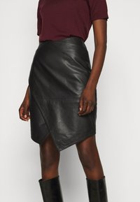 2nd Day - ABIGALE - Pencil skirt - black - 4
